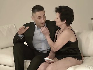 Old nextdoor woman Lisbeth gives her head with the addition of takes dick in old snatch