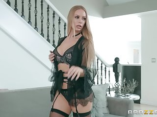 Mart to skivvies Nicole Aniston spreads her legs for load of shit and cum