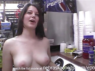 Exciting Darkhaired Babe Naked Regarding Restaurant Respiration Station With an increment of On A catch Streets Of Tampa Florida -Public