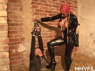 Busty femdom Mia is making prisoners be incumbent on pussy pleasure