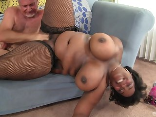 Big irritant ebony wife fucked away from a senior white man