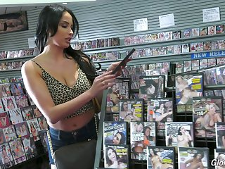 Fantastic bosomy sexpot Anissa Kate deserves good polishing of say no to overt cunt