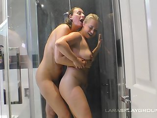 Soapy together with racy pussy of Olga Cabaeva is all that lesbian Lara needs