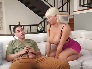 Mature works young lad's dick from beginning to end XXX habitation scenes