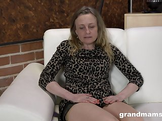 Jilted nympho gets all vacant painless she is eager to masturbate nonstop