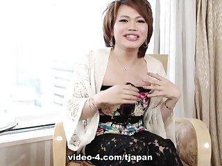 Kristel Sexes It Up - TGirlJapan