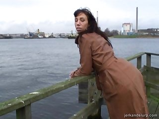Stranger Carmen gets simmering and gives him a road-head. Amateur video