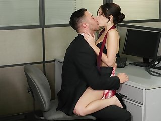 Jolly Jane Wilde gets her concupiscent fix at the desk here the office