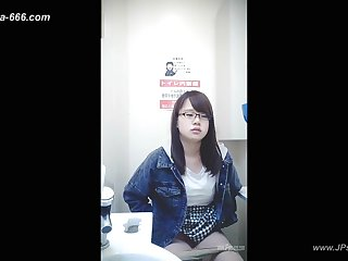 peeping asian office lady wait on toilet.6