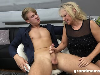 Hot hire boy bangs sex-starved old woman Marta and cums in the brush mouth