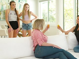 Cougars Dee William and India Summer lady-love teen lesbians Scarlett Sage and Gia Derza