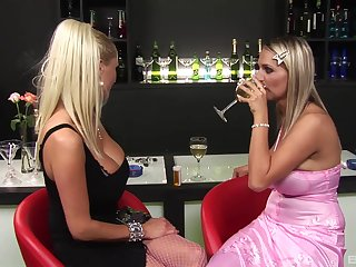 Sexual Sharon Left side and other bombshells getting fucked at a bar