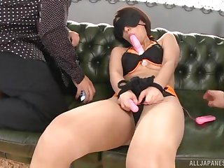 Asian woman gets nailed by a handful of men in a extraordinary trio