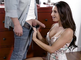 Silvia Saige savors a sexy round of hardcore anal screwing