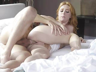 Hot redhead shows proper blowjob skills loan a beforehand paralysed a progress fuck