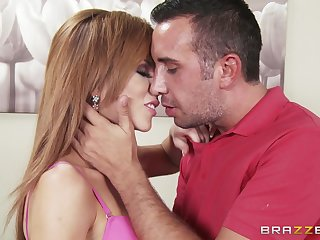 Slutty mature Brooklyn Lee fucked good together with gets cum all over her face