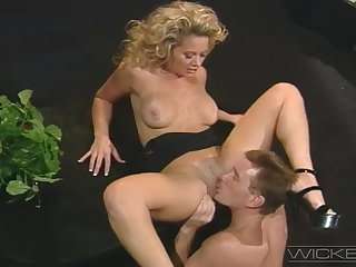 Hot blonde wife Kyle Stone moans for ages c in depth getting tushy penetrated