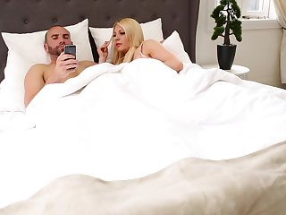 Chubby wives Jessie Lee Pierce and Blake Wilde love foursomes