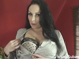 MILF Sophia removes her bra and panties to have some solo joke